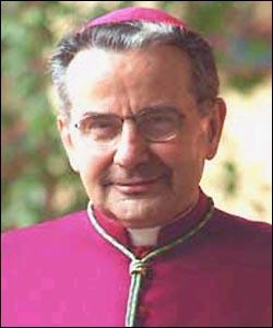 El Cardenal de Bolonia prohibe la comunión en la mano