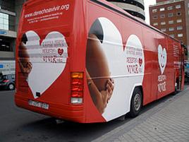 Derecho a Vivir entrega hoy al gobierno 375.000 firmas contra la nueva ley del aborto