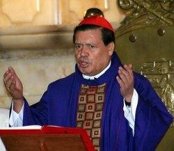 El cardenal Rivera afirma que Cristo ha salido en este Corpus para acompañar a su pueblo ante la crisis espiritual