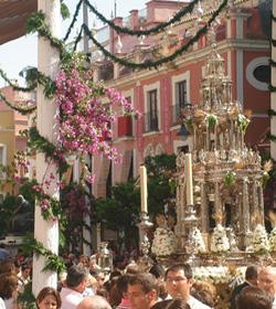 Solemnidad del Corpus Christi en las calles: «la presencia más importante de Cristo entre sus fieles»