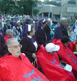 20.000 voluntarios de todo el mundo al servicio de los peregrinos enfermos en Lourdes
