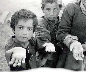 Uno de cada cinco menores en Cataluña vive por debajo del umbral de la pobreza
