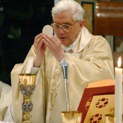 El Papa se opone al choque entre tradición y progreso en la liturgia