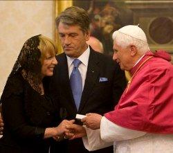 Benedicto XVI aboga por la unidad con los ortodoxos al recibir al presidente de Ucrania