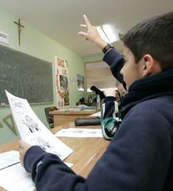Los padres de alumnos no están de acuerdo con «pasar un rodillo por encima de las creencias de la inmensa mayoría de la población española»