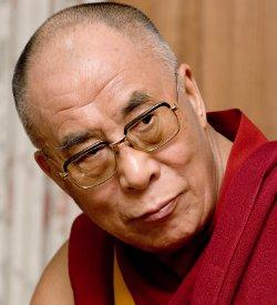 El Dalai Lama condena tanto la conversión forzada como el proselitismo cristiano