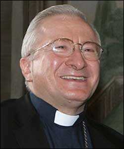 El Cardenal Antonelli dice que el hombre debe aprender a trabajar más en las tareas de la casa
