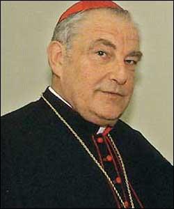 El cardenal Grocholewski advierte que la escuela católica no puede «debilitar su identidad»