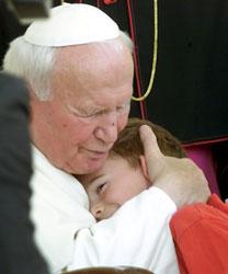 La milagrosa curación de un niño español favorece la beatificación de Juan Pablo II