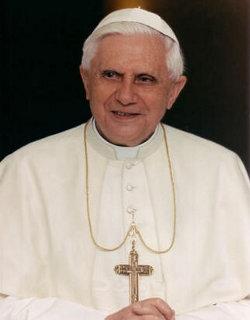 Benedicto XVI: «La Iglesia no puede echarse atrás en su misión de iluminar a los hombres»