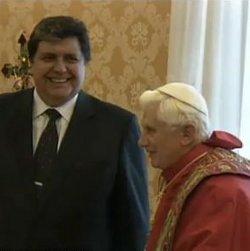Alán García presenta al Papa su plan de limitación del gasto armamentístico en Sudamérica