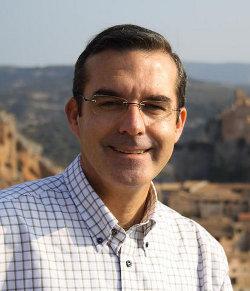España: el senador Ángel Pintado propone que los partidos y sindicatos se financien como la Iglesia