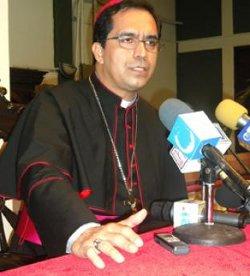 El Arzobispo de San Salvador pide que no se penalice la critica periodística en su país