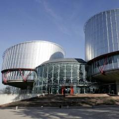 Piden a Estrasburgo que acelere la sentencia sobre las familias objetoras de Alemania