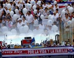 Decenas de miles de costarricenses se manifestaron por la vida y la familia