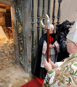Monseñor Barrio afirma que el Año Santo será un acontecimiento religioso y moral en medio de la crisis de valores de España