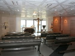 El cardenal Rouco bendice la capilla católica «más alta» del mundo