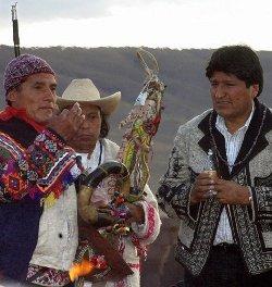 Evo Morales participa en un «Te Deum» sincretista