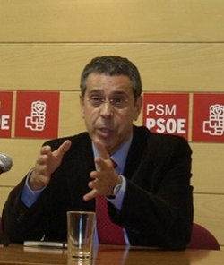 El PSOE acusa a monseñor Algora de alejar a los ciudadanos de la democracia