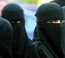 Tres musulmanas malayas azotadas por inmoralidad sexual aseguran que se lo merecían