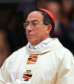El Cardenal Rodríguez Maradiaga pide personas capaces y honestas para depurar la policía de Honduras