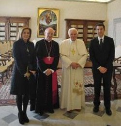 Núñez Feijóo invita al Papa a visitar Galicia en el 2011