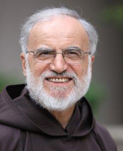 El P. Cantalamessa cree que los dogmas se convierten en meras consignas que indican una pertenencia