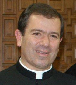 Operado con éxito el P. Álvaro Corcuera