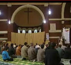 Un sacerdote belga cede su parroquia para el culto musulmán contra el criterio de su obispo