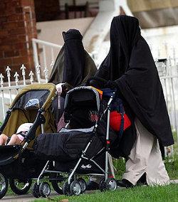 La Comisión Europea no legislará sobre el uso del velo integral islámico