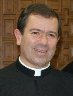 La dirección de los Legionarios de Cristo asegura que el Vaticano les exculpa de conocer la vida de pecado de Maciel