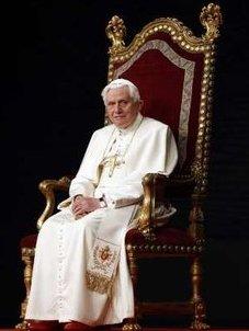 El Papa explica al mundo de la cultura que es misión de Iglesia el promover la búsqueda de la verdad