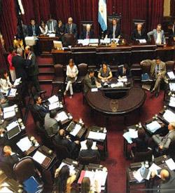 El Senado de Argentina aprueba la legalización del matrimonio entre homosexuales