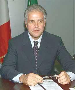 Lombardía dará hasta 4.500 euros a las mujeres para que no aborten