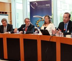 Profesionales por la Ética explica en el Parlamento Europeo el verdadero rostro de la EpC en España