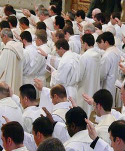 Nueve mil presbíteros participan desde hoy en el mayor encuentro sacerdotal de la historia
