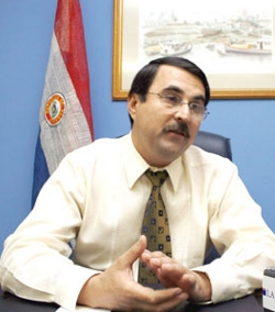El presidente de Paraguay interrumpe una Misa para defenderse de las críticas del obispo que la oficiaba