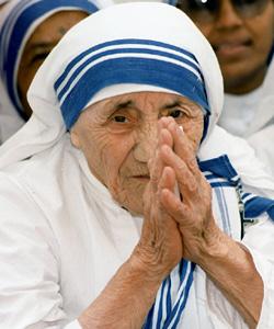 Socialistas, nacionalistas, laicistas y abortistas protestan por una exposición sobre la Madre Teresa de Calcuta en Vigo