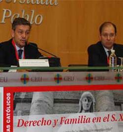 Los juristas católicos afirman que hay que restaurar el derecho de familia sobre la base del  Derecho natural