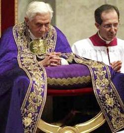 Los católicos responden a la llamada del Papa para celebrar la Vigilia por la vida