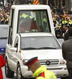 Las calles de Barcelona no se llenan para recibir al Papa