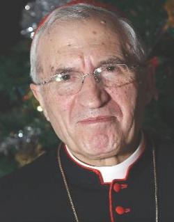 El cardenal Rouco bautiza, confirma y da la primera comunión a dos presos de Soto del Real