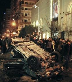 Atentado con coche bomba frente a una iglesia de Alejandría causa 21 muertos y 43 heridos