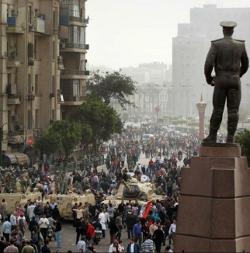 Egipto excluye a mujeres y cristianos coptos de la comisión que abordará la reforma constitucional