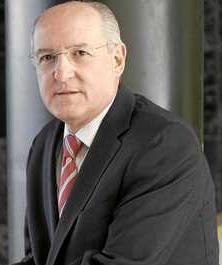Carlos Romero: «Pienso que no debería haber un partido católico»