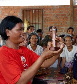 Camboya alcanza su pico máximo de propagación del SIDA después de las campañas de uso de preservativos
