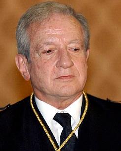 Un exministro socialista confirma que el anterior presidente del Tribunal Constitucional en España es masón