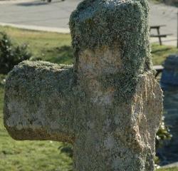 Rompen a golpes tres cruces del Vía Crucis del Santo Entierro de Bercianos