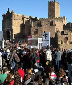 Éxito de la primera Javierada de 2011: Mons. Pérez exhorta a «edificar la casa sobre la Roca»