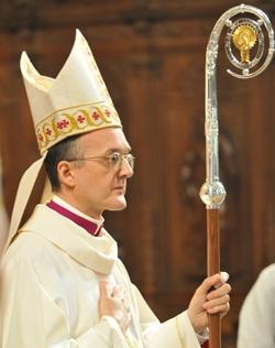 Mons. Julián Ruiz Martorell es ordenado como obispo en la Catedral de Huesca